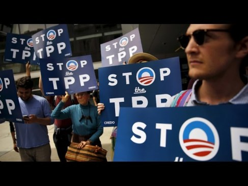 strong-anti-tpp-anti-nafta-sentiment-grows-at-dnc